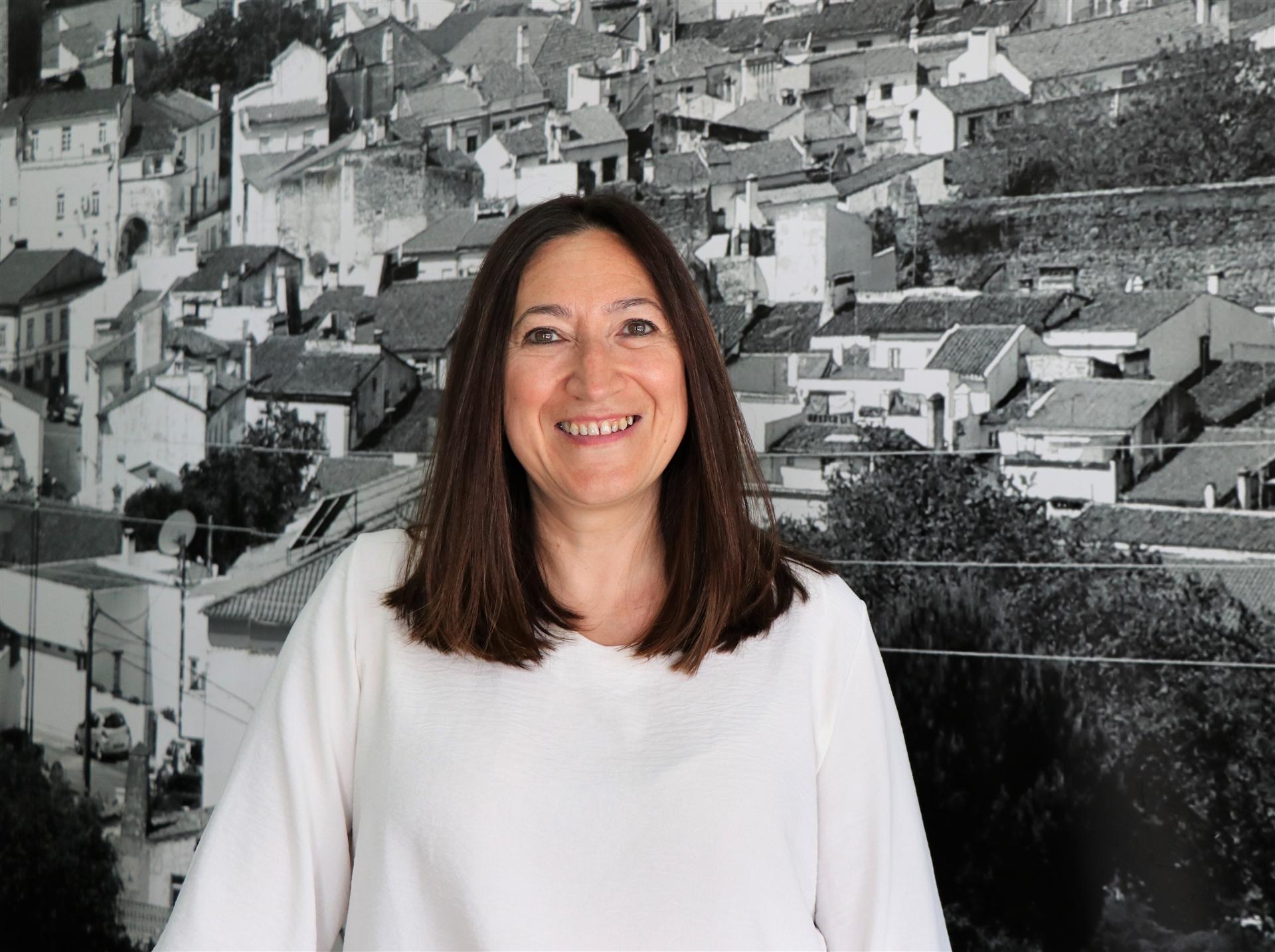 Paula Guedelha
